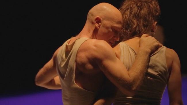Agua/R-esistenza, il concetto di resilienza alla base della coreografia della compagnia Petranura danza