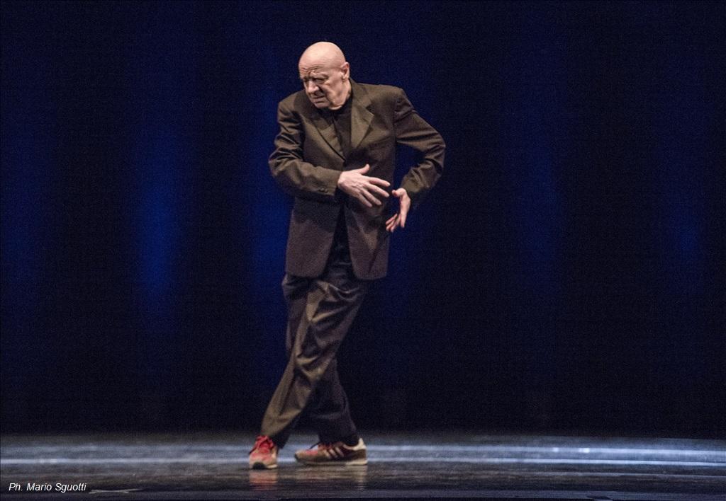 """""""Pensieri dell'Anima"""" ad Acqui in palcoscenico con premio a Micha Van Hoecke"""