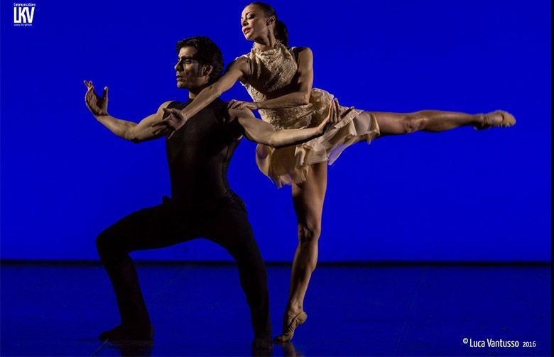 Swan Lake di Jas Art Ballet ad Acqui in Palcoscenico