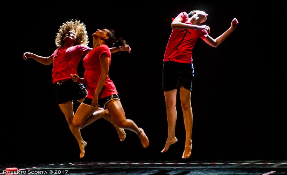 Luogocomune Danza e Cadavre Exquis a Roma con lo spettacolo Mash Up